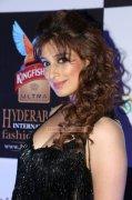 2014 Image Cinema Actress Raai Laxmi 400