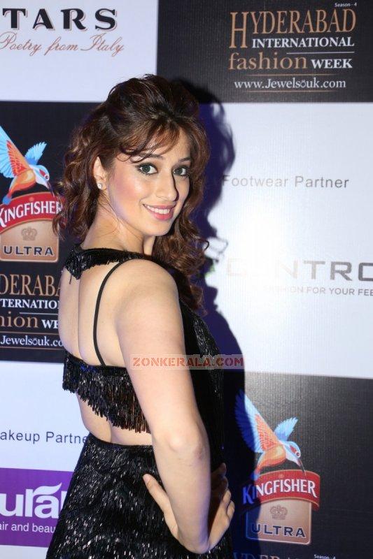 New Wallpaper Raai Laxmi South Actress 8111