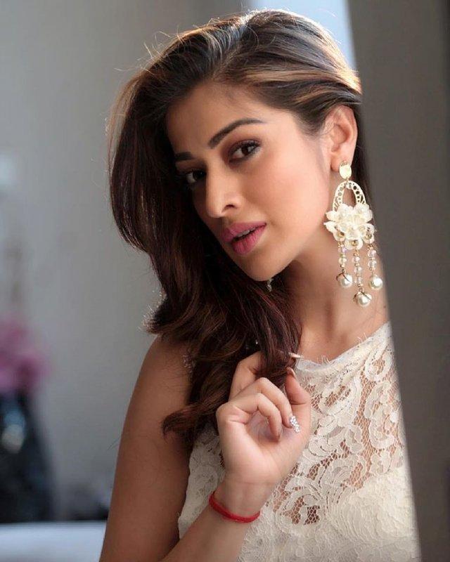 Recent Gallery Actress Raai Laxmi 9482