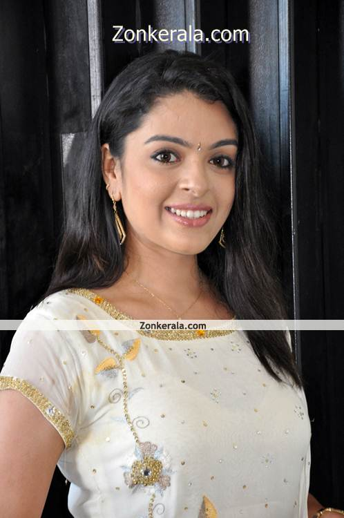 Actress Radhika New Pictures4