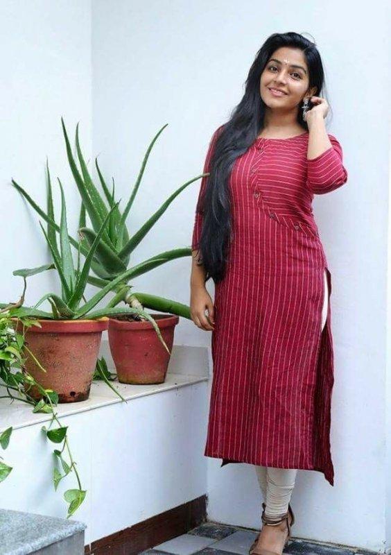 Rajisha Vijayan Malayalam Movie Actress Mar 2020 Albums 5621