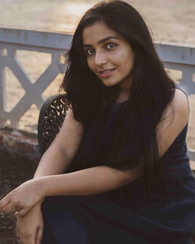 Recent Stills Heroine Rajisha Vijayan 606