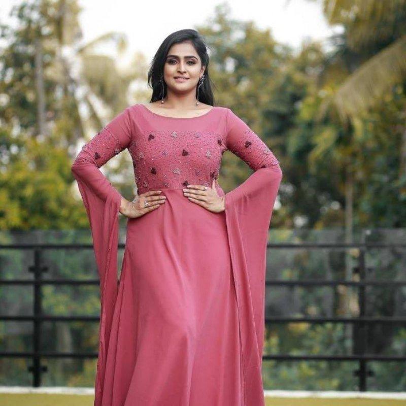 Indian Actress Remya Nambeesan Recent Album 8241