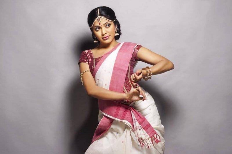 Apr 2020 Wallpaper Malayalam Actress Rima Kallingal 6181