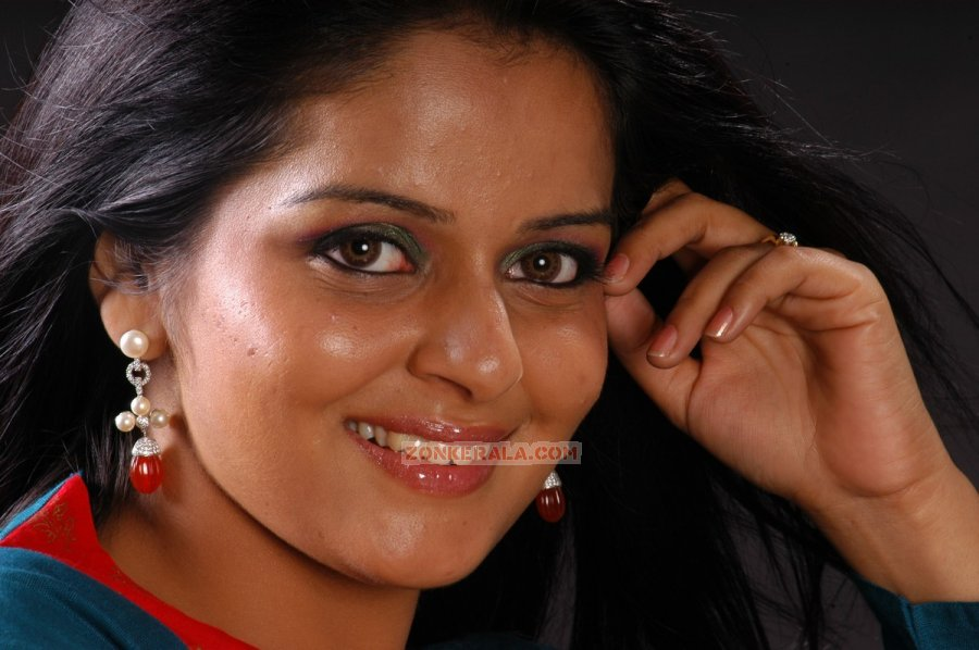 Malayalam film star roma photos regarder le film mran gratuitement watch the video malayalam tv serial actress kavitha nair hot 2 swetha menon uncensored sx photos by premier movies malayalam thecheapjerseys Gallery