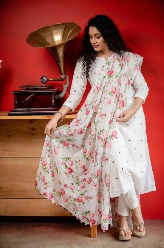 Nov 2020 Galleries Rupa Manjari 9359