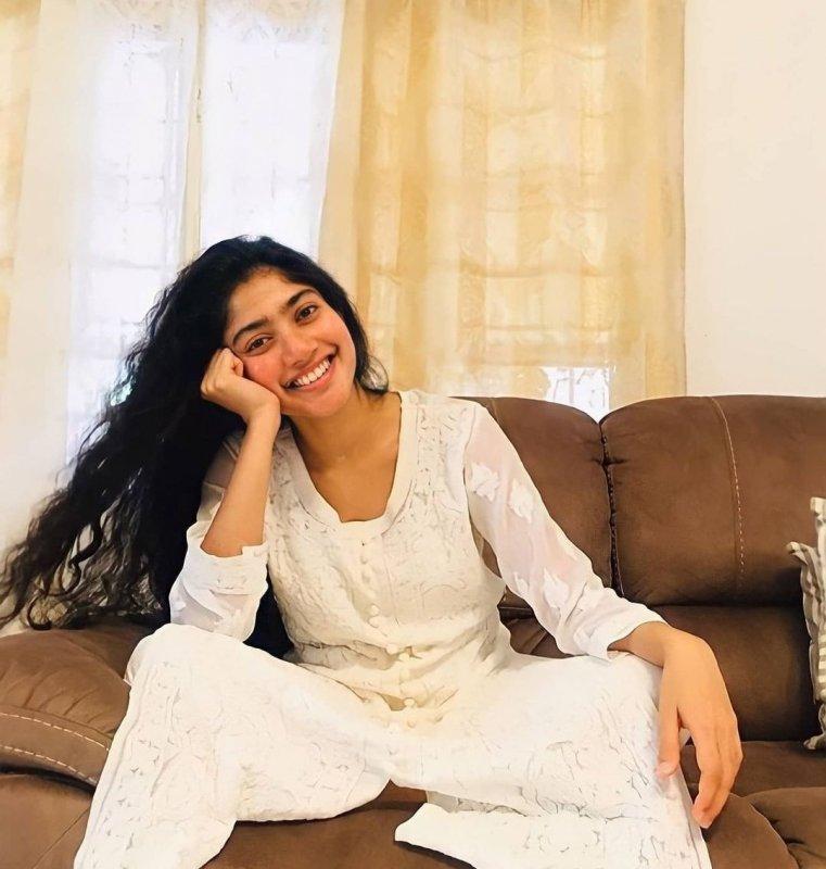 Sai Pallavi Indian Actress Nov 2020 Still 6100