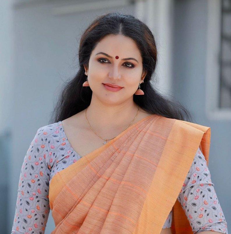 2020 Albums Malayalam Movie Actress Sheelu Abraham 1498