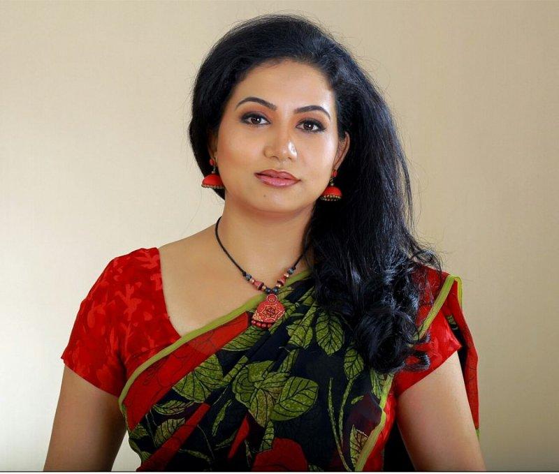 Sheelu Abraham Malayalam Heroine Latest Picture 9468