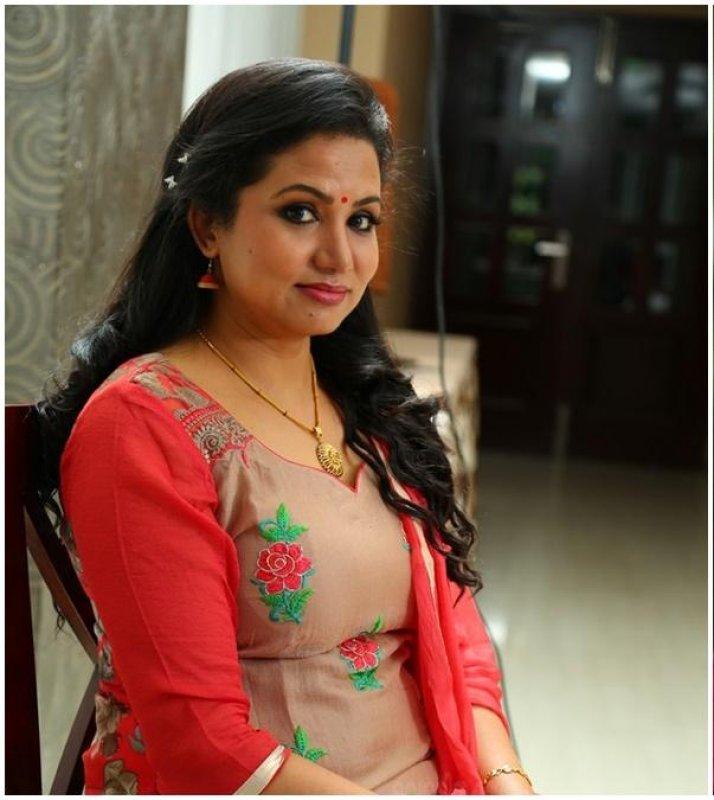 South Actress Sheelu Abraham Recent Pictures 3385