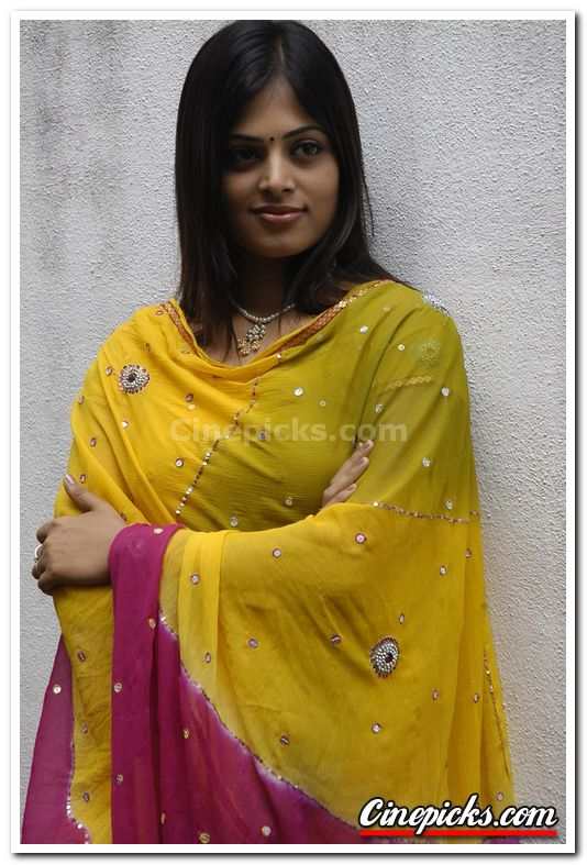 Actress Sindhu Menon Photo 1