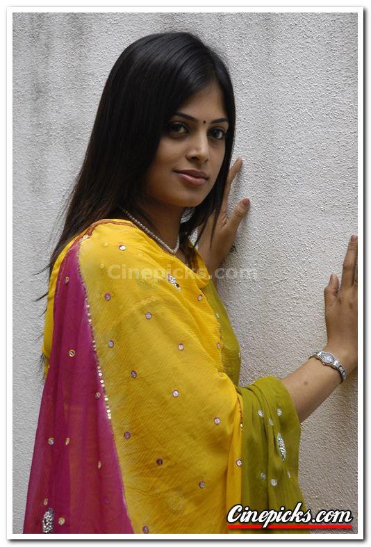 Sindhu Menon - Images