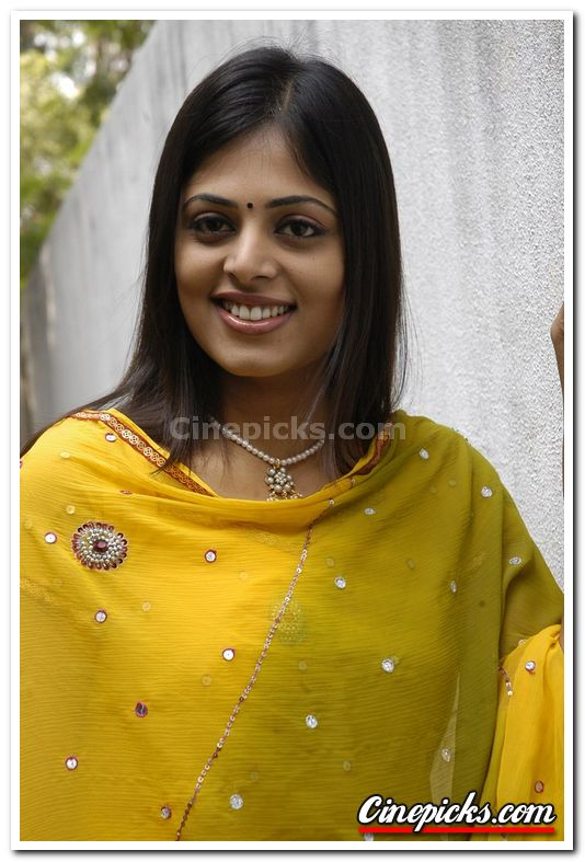 Sindhu Menon - Images Colection