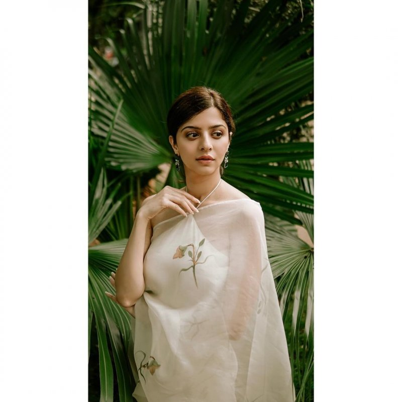 New Galleries Malayalam Actress Vedhika 8903