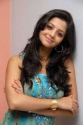 New Wallpapers Vedhika 6637