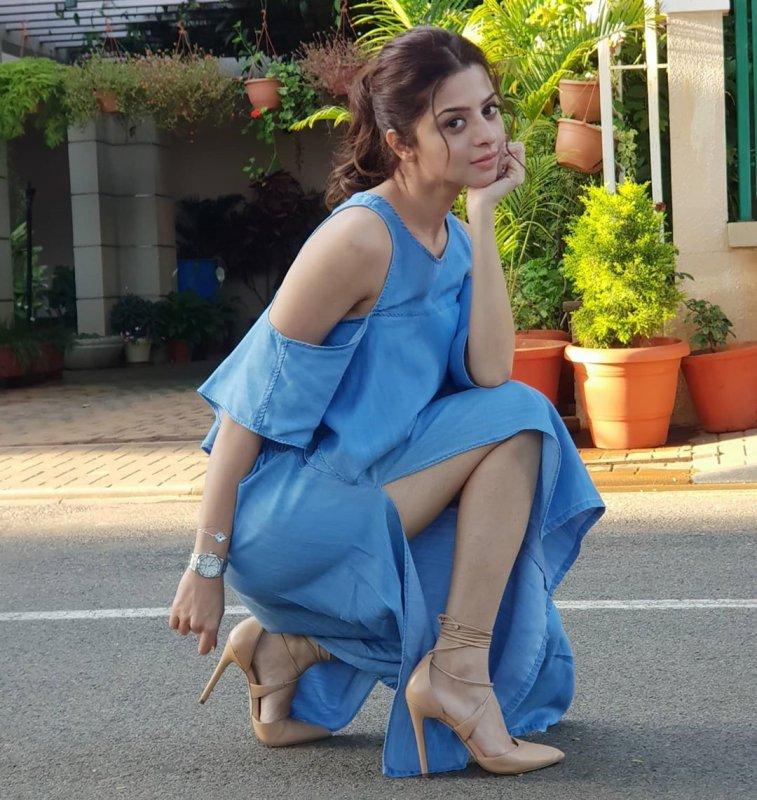Recent Albums Vedhika Movie Actress 8581