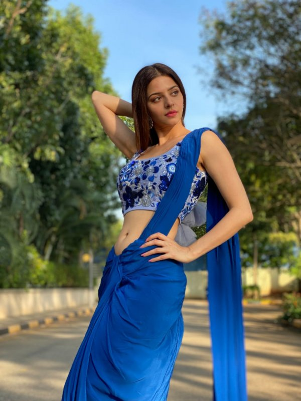Vedhika Film Actress New Gallery 7669