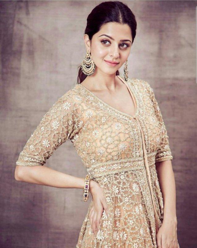 Vedhika Malayalam Movie Actress Aug 2020 Photos 2120