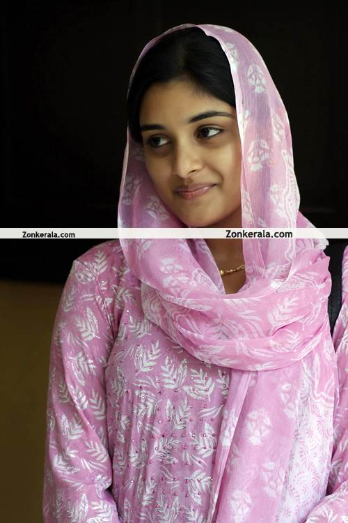 http://www.zonkerala.com/movies/gallery/chappa-kurishu/chappa-kurishu-still-3.jpg
