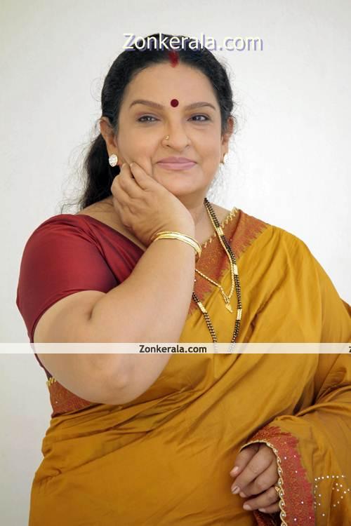 Manka+Mahesh+Hot+You+Tube Malayalam Serial Actress Manka Mahesh Hot ...