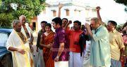 Nedumudi Venu Archana Kavi Dileep In Nadodi Mannan 326