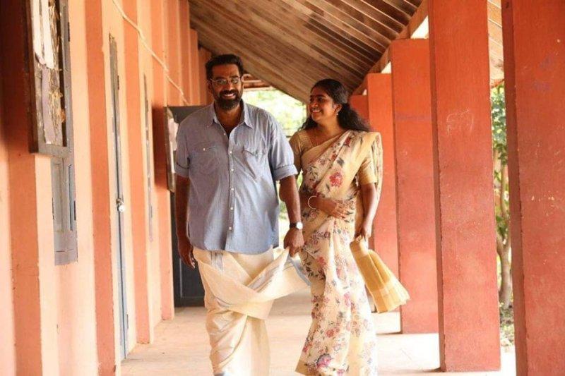 Biju Menon Nimisha Sajayan In Nalpathiyonnu 282