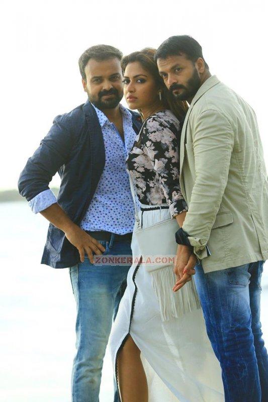 Jul 2016 Stills Shajahanum Pareekuttiyum Malayalam Movie 6987