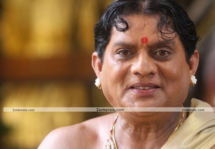 http://www.zonkerala.com/movies/gallery/urumi/jagathy-sreekumar-in-urumi.jpg