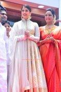 Aishwarya Rai Manju Warrier Function 927