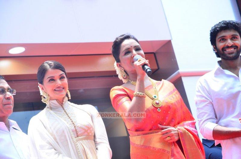 Kalyan Jewellers Chennai Showroom Launch Malayalam Movie Event Albums 1065