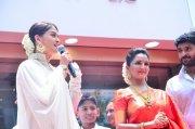 Manju Warrier And Aishwarya Rai 486