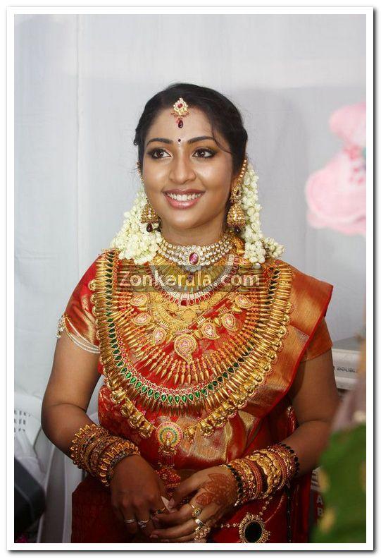 Navya Nair In Marriage Dress 7 - Malayalam Movie Event Navya Nair ...