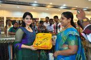 Roma Asrani At Rk Sarees Punalur Showroom Inauguration