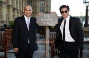Malayalam Event Sharukh Khan Receiving Global Diversity Award Image 3251