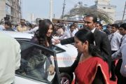 Shreya Ghoshal Inaugurates Joy Alukkas Showroom Photos 5168