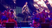 Deepika Padukone And Shah Rukh Khan At Slam The Tour 209