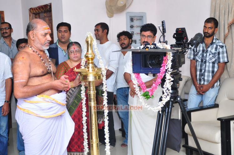 Street Light Movie Pooja 2188